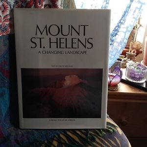 Mt St Helens Collectible Book